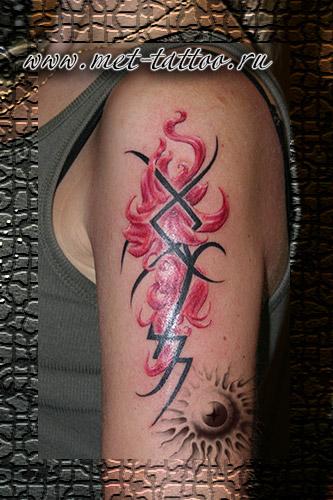 Фото татуировки на плече тату цветы и