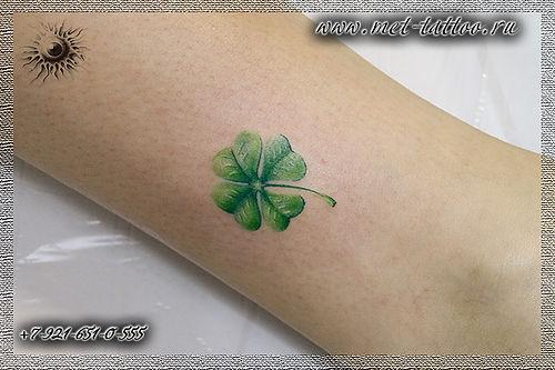 тату - четырехлистный клевер. женская татуировка на лодыжке. тату в Питере